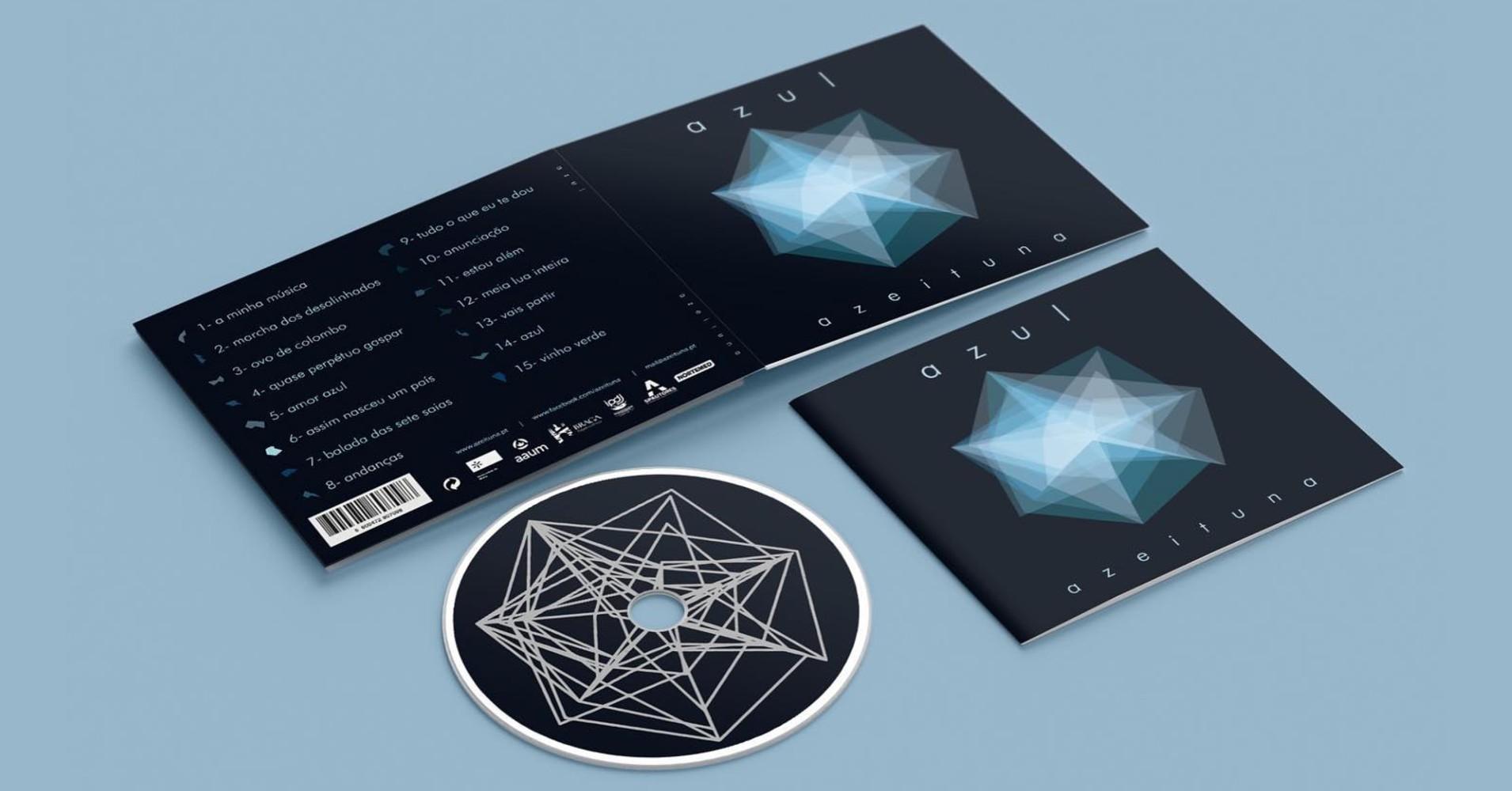 """Álbum """"Azul"""" da Azeituna, com CD e capa à mostra"""