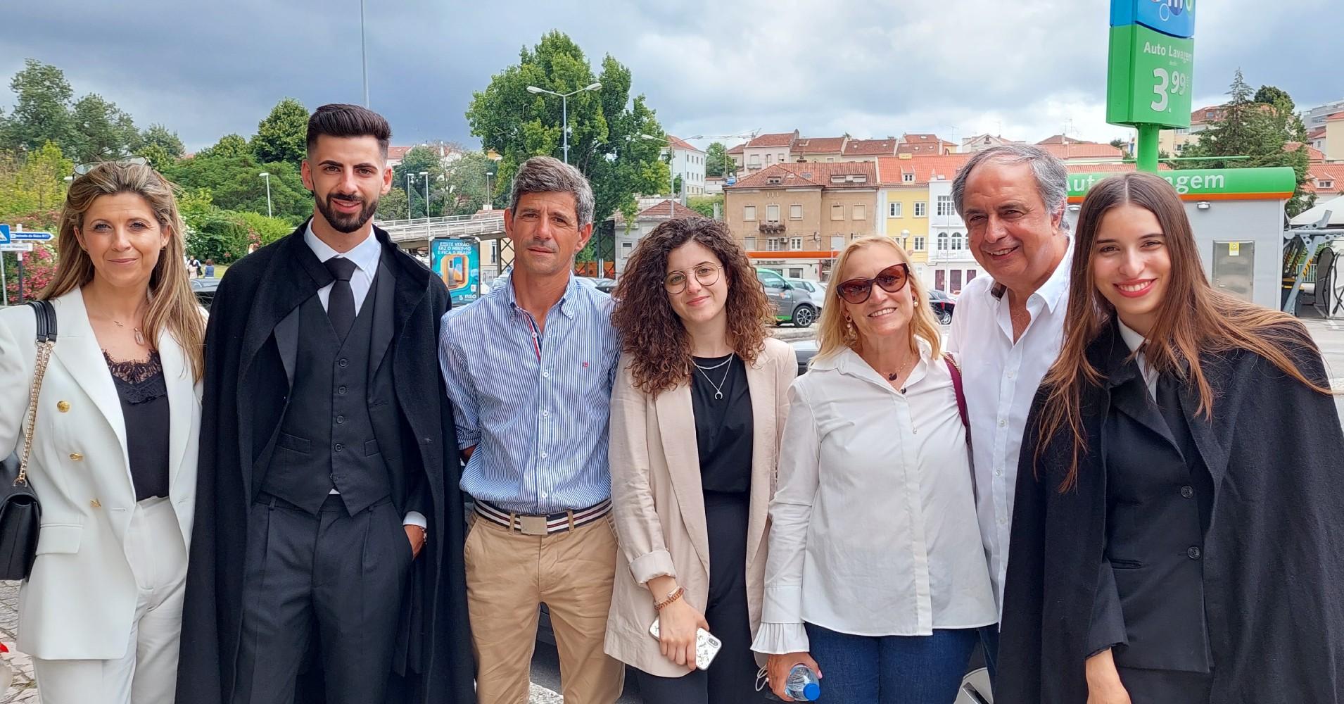 Ana Seabra e Leandro Guimarães, acompanhados pelas suas respetivas famílias